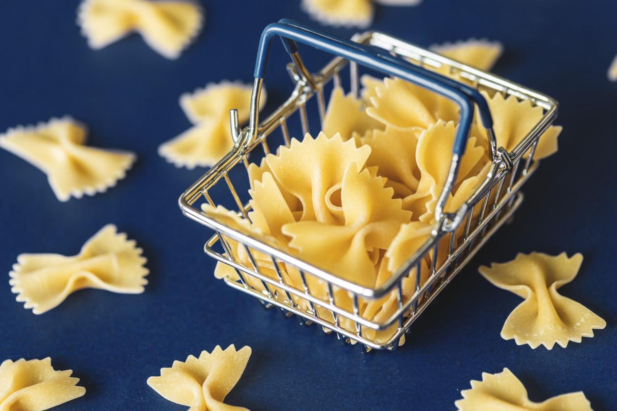 Brexit: Τα Supermarkets στο Ηνωμένο Βασίλειο μειώνουν το μέγεθος των συσκευασιών τους και χρησιμοποιούν φθηνότερα συστατικά λόγω της αδυναμίας της λίρας, αναφέρει η Τράπεζα της Αγγλίας