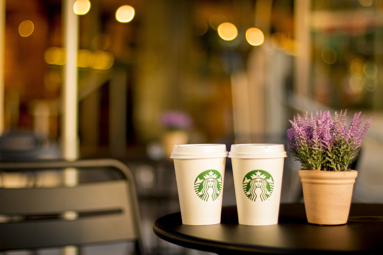 Starbucks: Two different strategies in USA and China